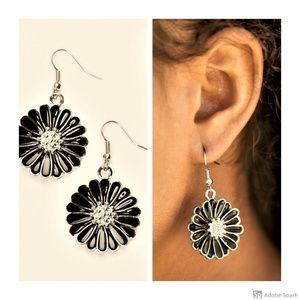 Distracted By Daisies - Black Daisy Hook Earrings
